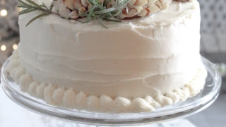 pinecone cake decor