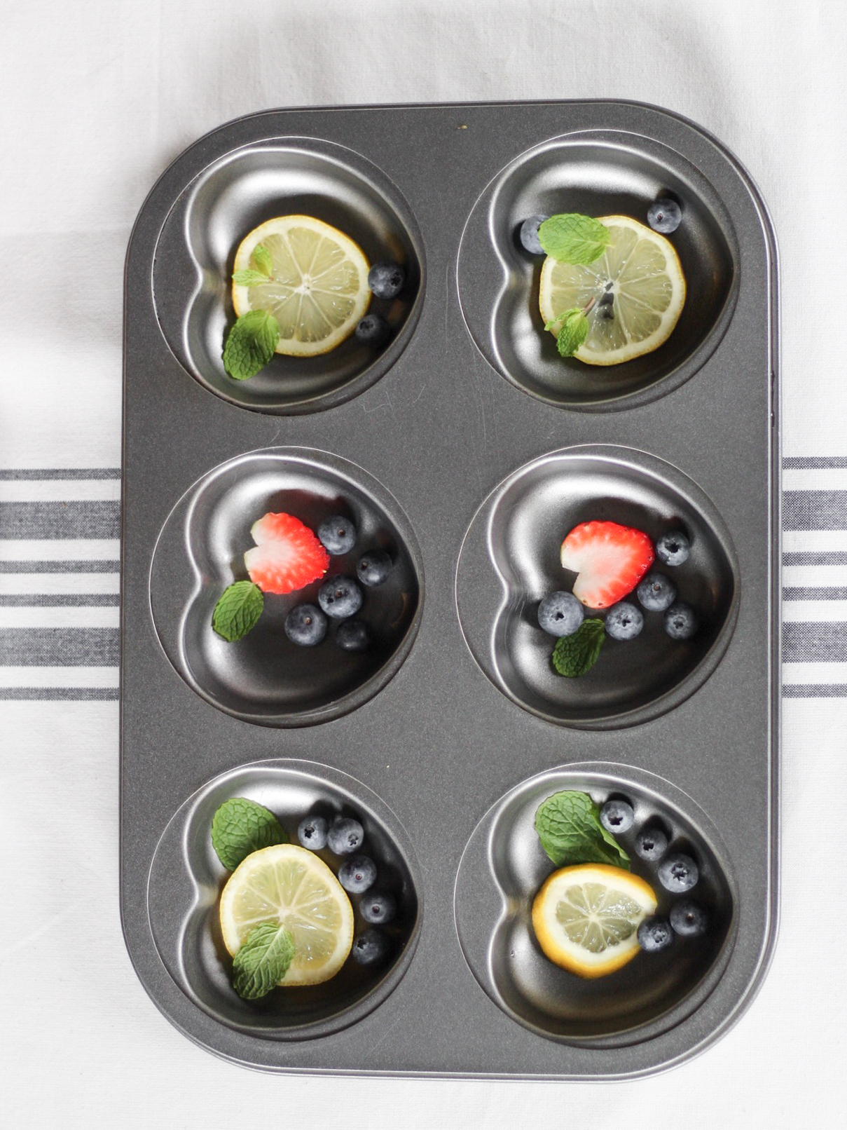DIY fruit ice in muffin tins
