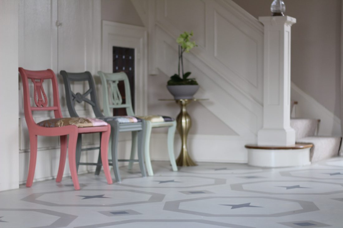 WHITE PAINTED FLOORS FOR A FRESH START TO THE YEAR